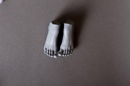 Feet for heels