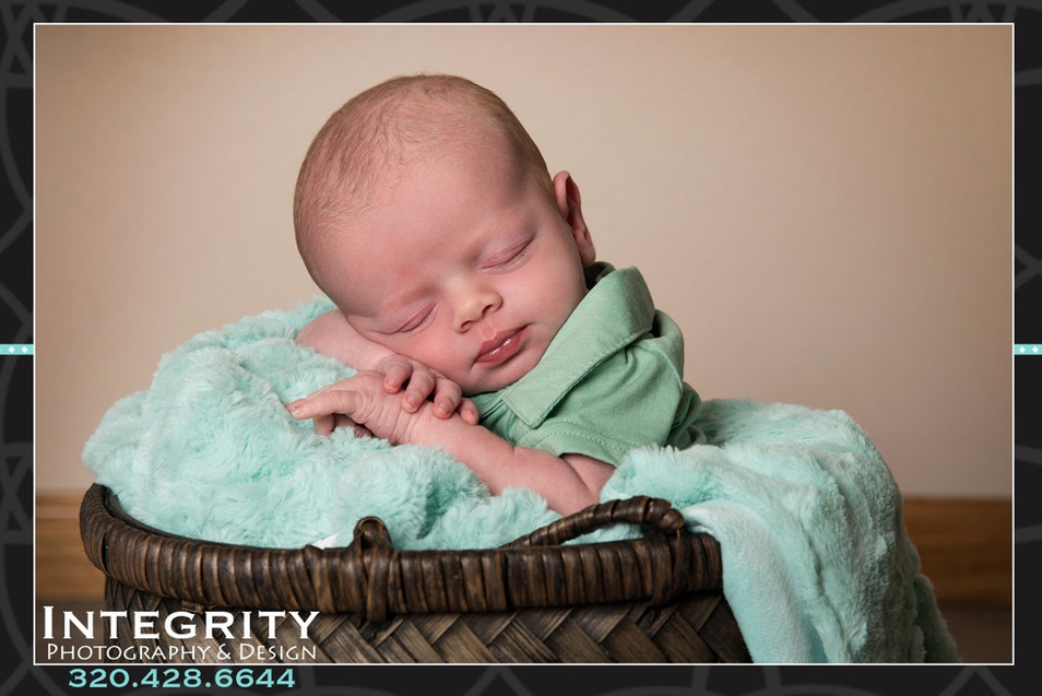 Newborn4.jpg