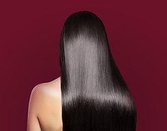 Silky Langes Haar, Haarverlängerung, Extensions, Haarverdichtung, lange braune Haare, seidenes Haar, Frau von hinten