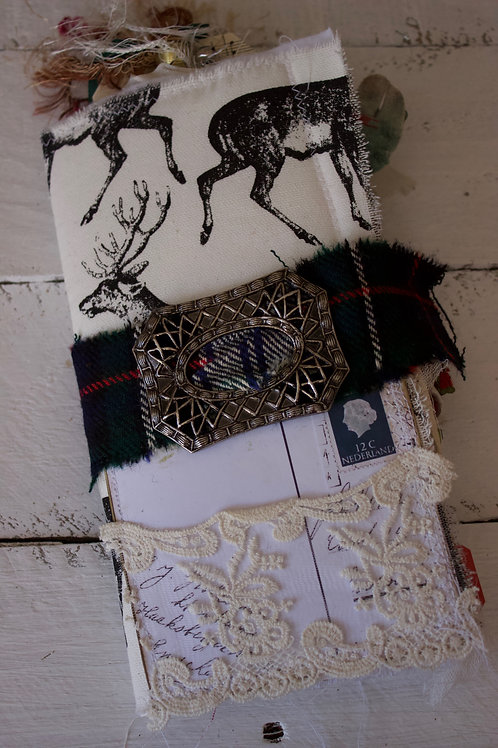 Deer Christmas (b)