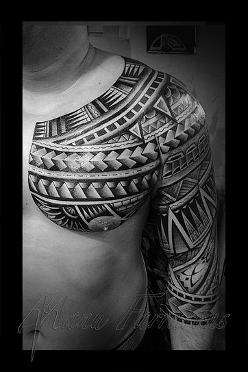 Winner best Polynesian tattoo by Manu Farrarons celebrity tattoo artist
