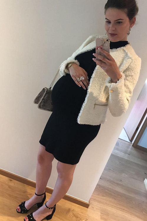 Must kootud selga paljastav kleit