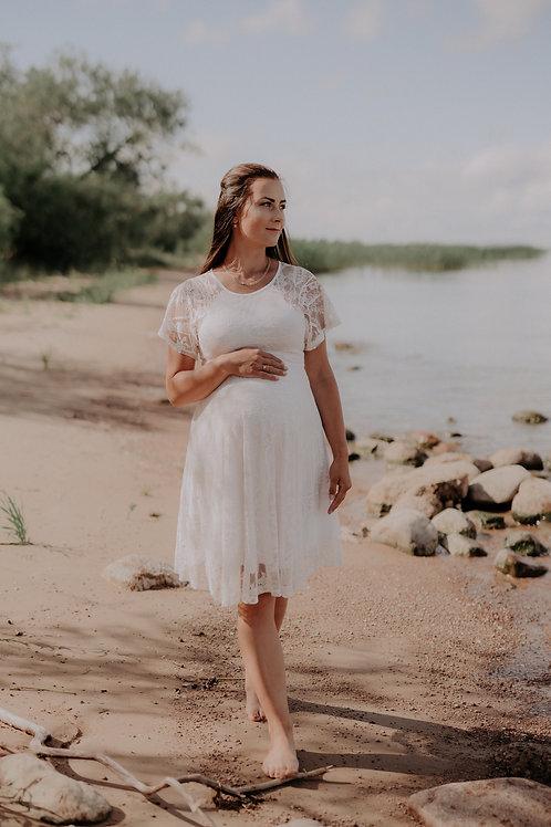 Valge pitsist kleit