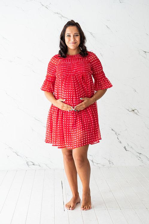 Punane ruutudega kleit