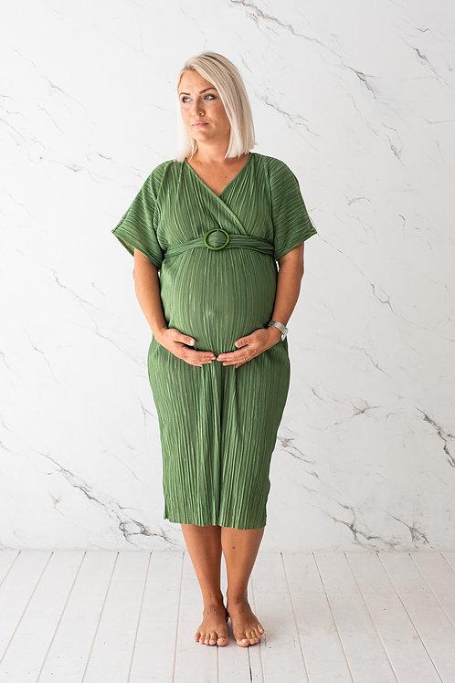 Roheline plisseega kleit