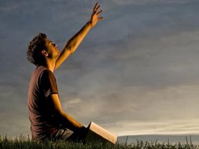 Ore...não até Deus te ouvir mas até você ouvir Deus!