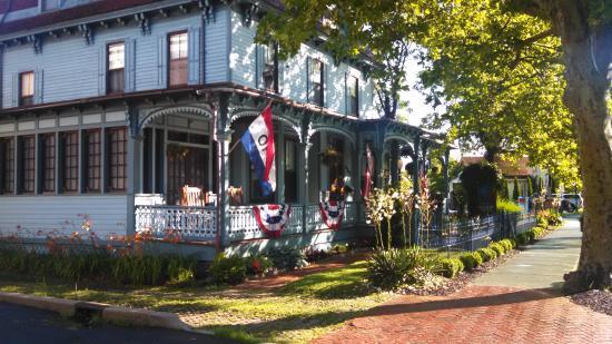 Image of the Blue Rose Inn courtesy of TripAdvisor user jdemos in July 2015