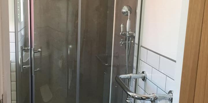 MV_Shower.jpg