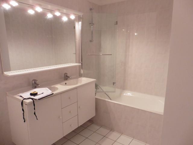 Salle de bains enfant avant travaux