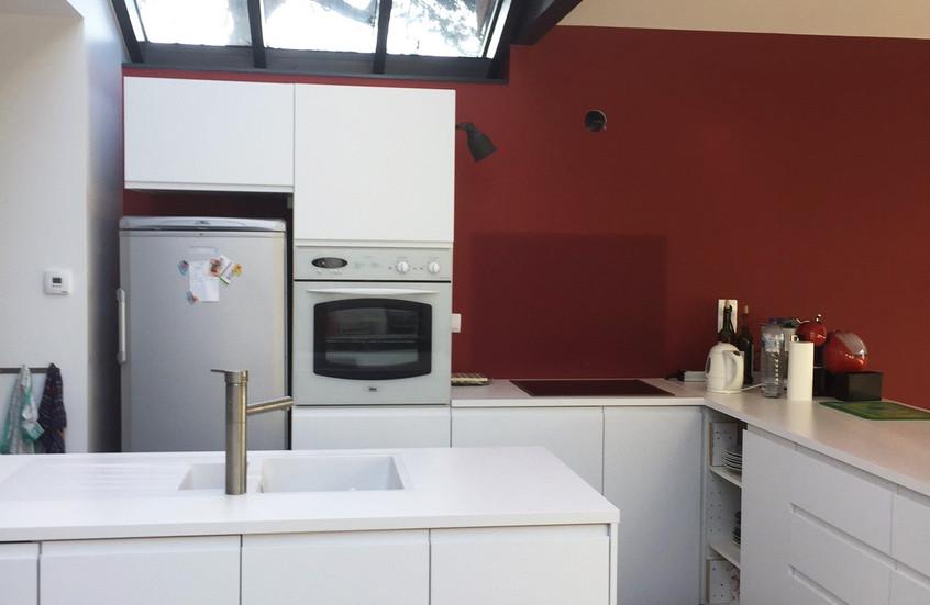 Verrière entre existant et extension, vue sur toute la façade depuis la cuisine