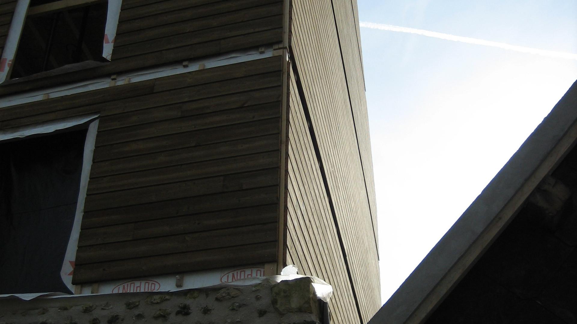 Reflets du soleil sur le bois