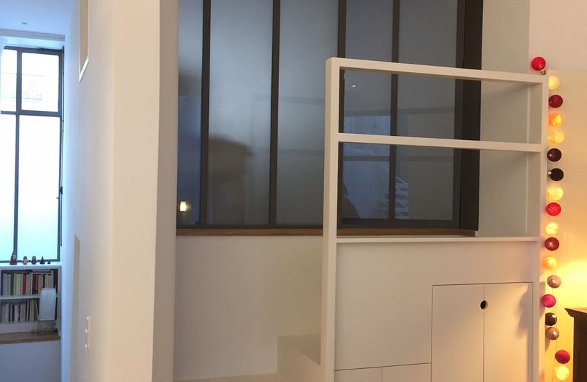 Paroi vitrée sur chambre parentale