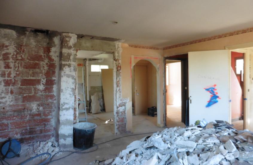 Murs en demolition entre salon et cuisine