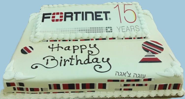 עוגת פורטנייט ליום הולדת 15