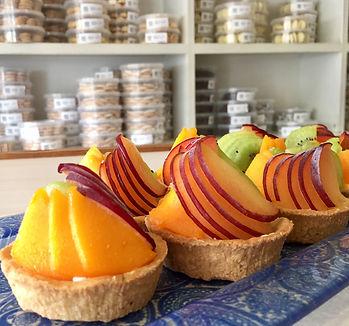 טרטלט פירות - בצק פריך עם קרם פטיסייר ופירות העונה