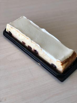 עוגת פס גבינה ודובדבנים