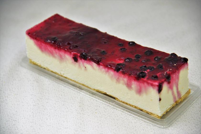 עוגת גבינה עם פירות יער