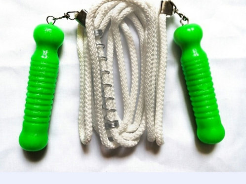 Cuerda para saltar Comax con mango de plástico.