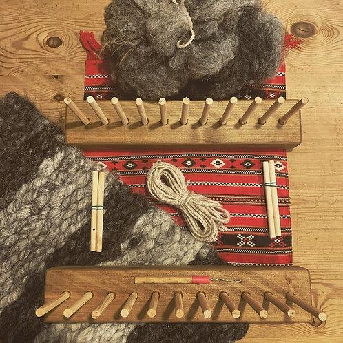 """Medium Peg Loom & Wild Wool Sets 17"""" 14 Pegs"""