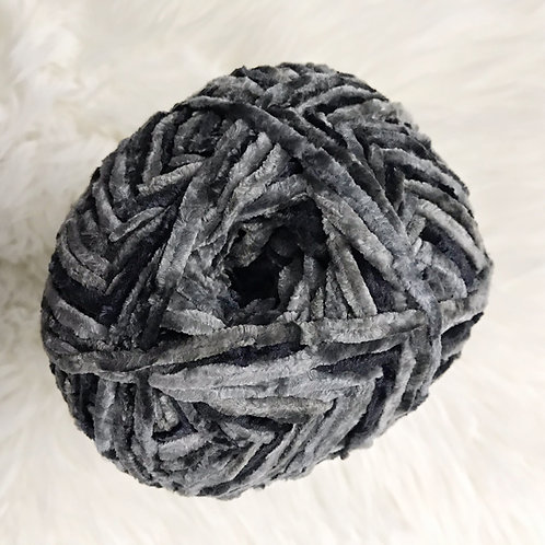 Deep Grey - Bernat Crushed Velvet