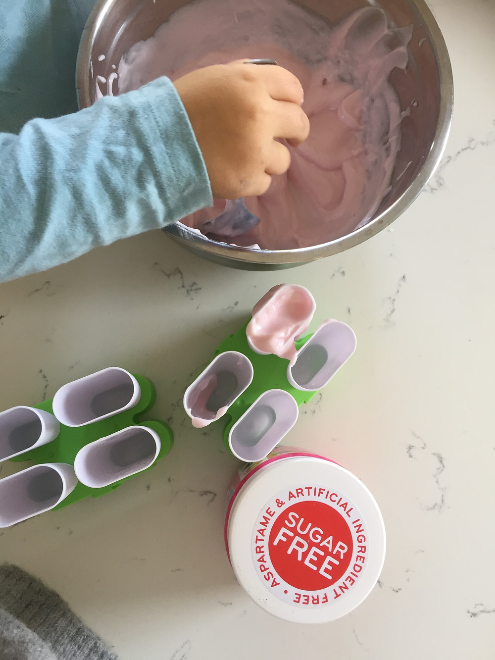 easy sugar free ice-lollies. Treats for children. Cooking with children.