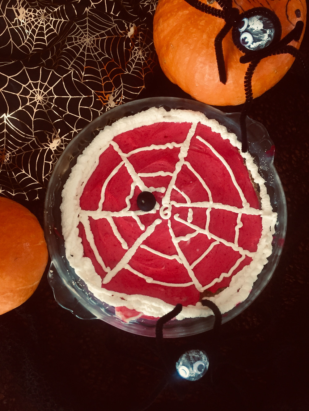 No bake easy fridge tart made with yogurt. Made to look like spider web, easy haloween dessert idea