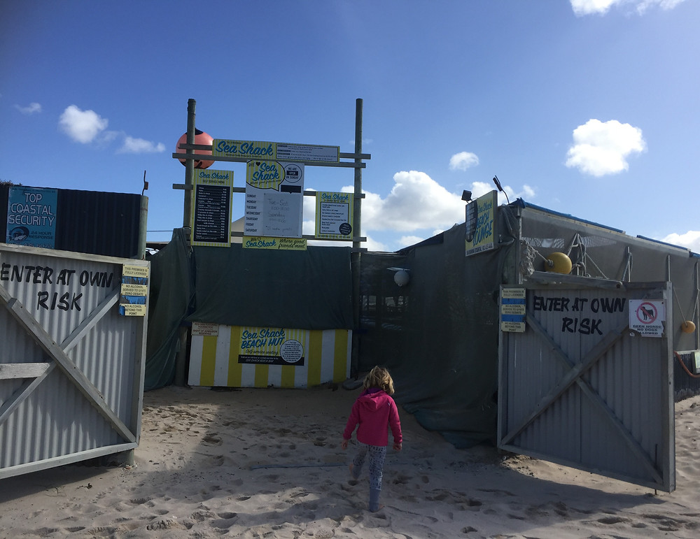 Entrance to the Sea Shack in Struisbaai. Family friendly restaurat.