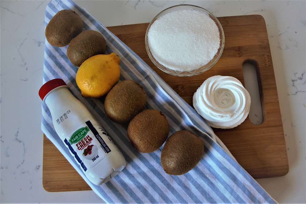 ingredients for kiwifruit compote for mini pavlovas