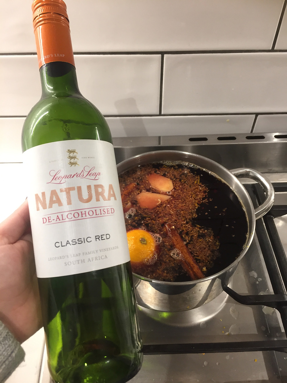Cooking spiced wine Leopard's ;eap Natura Classic Red. De-alcoholised wine. South African wine. How to cook with wine