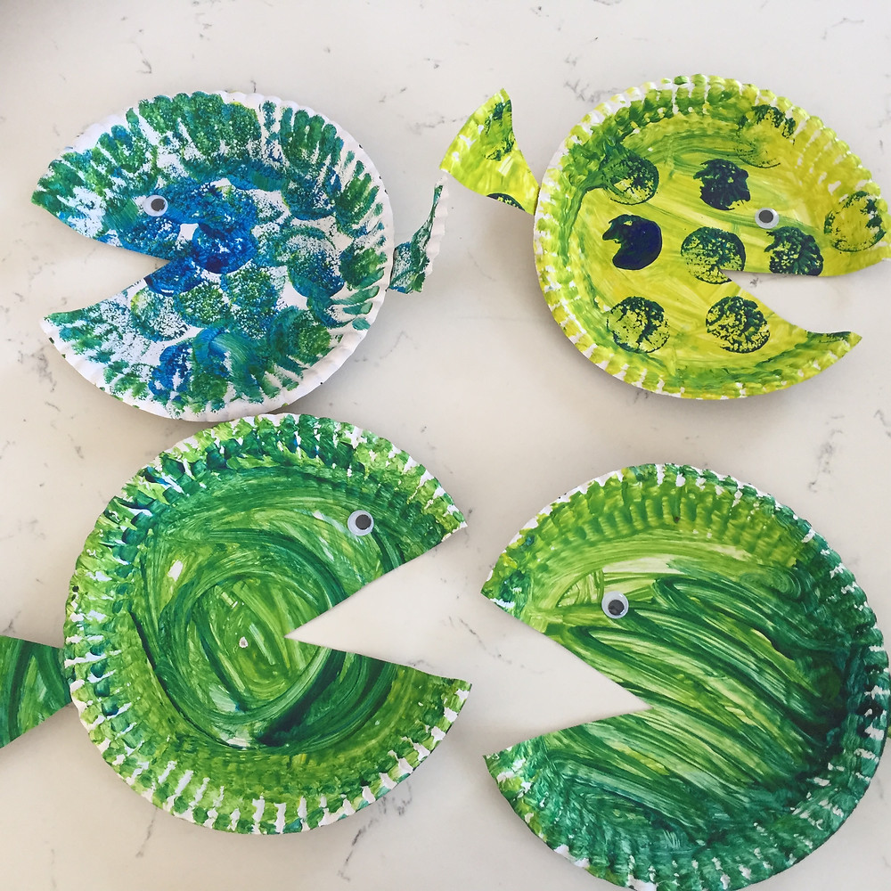 DIY decor for Fish, mermaid or undersea party. Easy tutorial how to make own decor