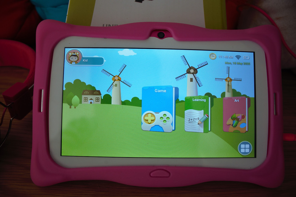 Bubblegum tablet sold at CelluCity is an Android device operating Android 8.1 (oreo) , comes loaded with educational games. Fun and exciting graphics to entertain young children. Easy to use. Designed for little hands.