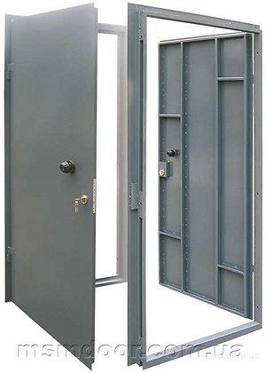 Дверь техническая металлическая