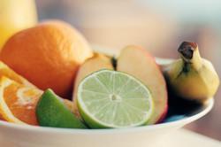 assiette-fruits-citron-orange-banane