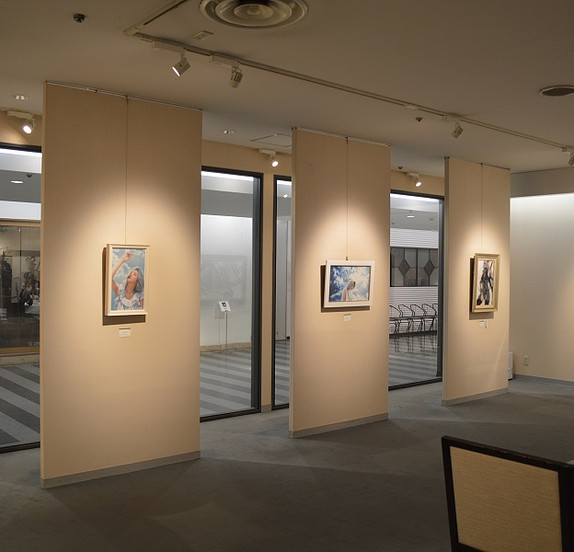 In Tokyu department store gallery
