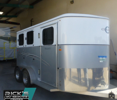 Horse Trailer RV Travel Safety Tips