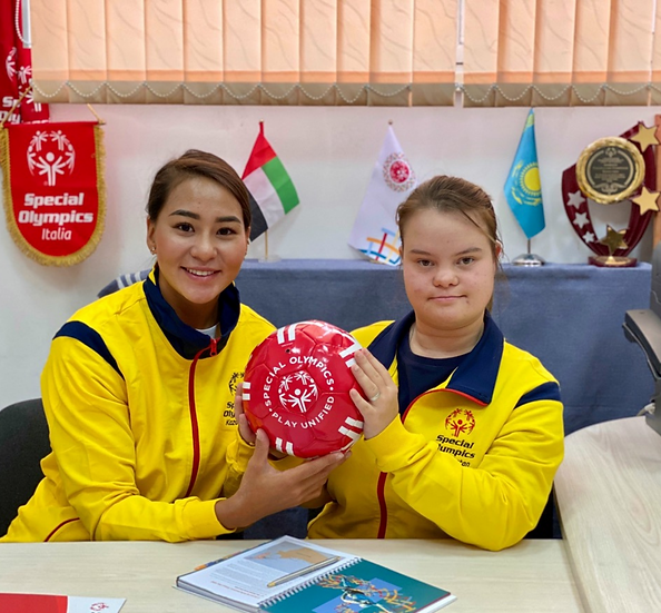 Online Sport Nutrition and Engagement in Kazakhstan