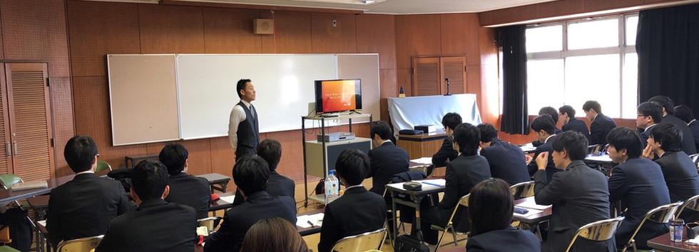 従業員の健康状態を保つ経営研修.JPG
