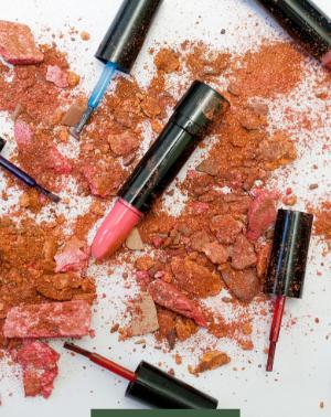 NA REAL: O papel da maquiagem na valorização e autoestima da mulher