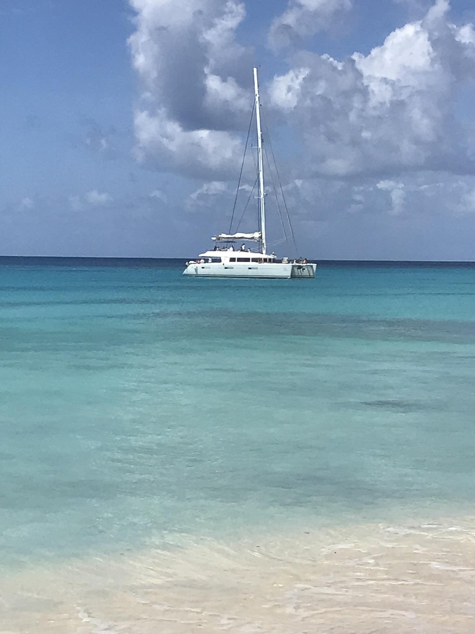 Paradise Beach Sailing