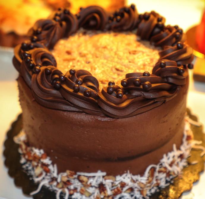 Case Cake German Chocolate