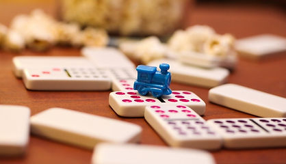 The-Best-Mexican-Train-Dominoes-Sets-2.j