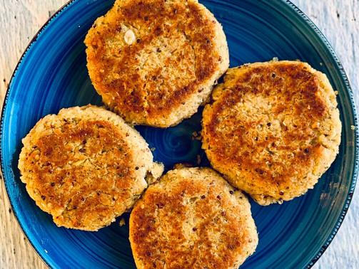 Burgery z białej fasoli, marchewki i quinoa