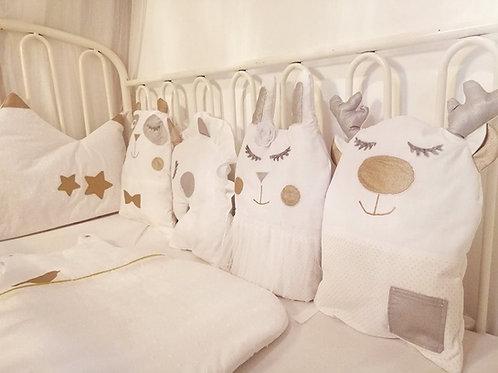 Tour de lit licorne, panda, lapin et cerf