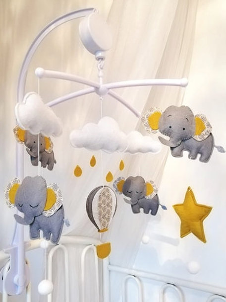 Mobile Musical Elephant et Mongolfière