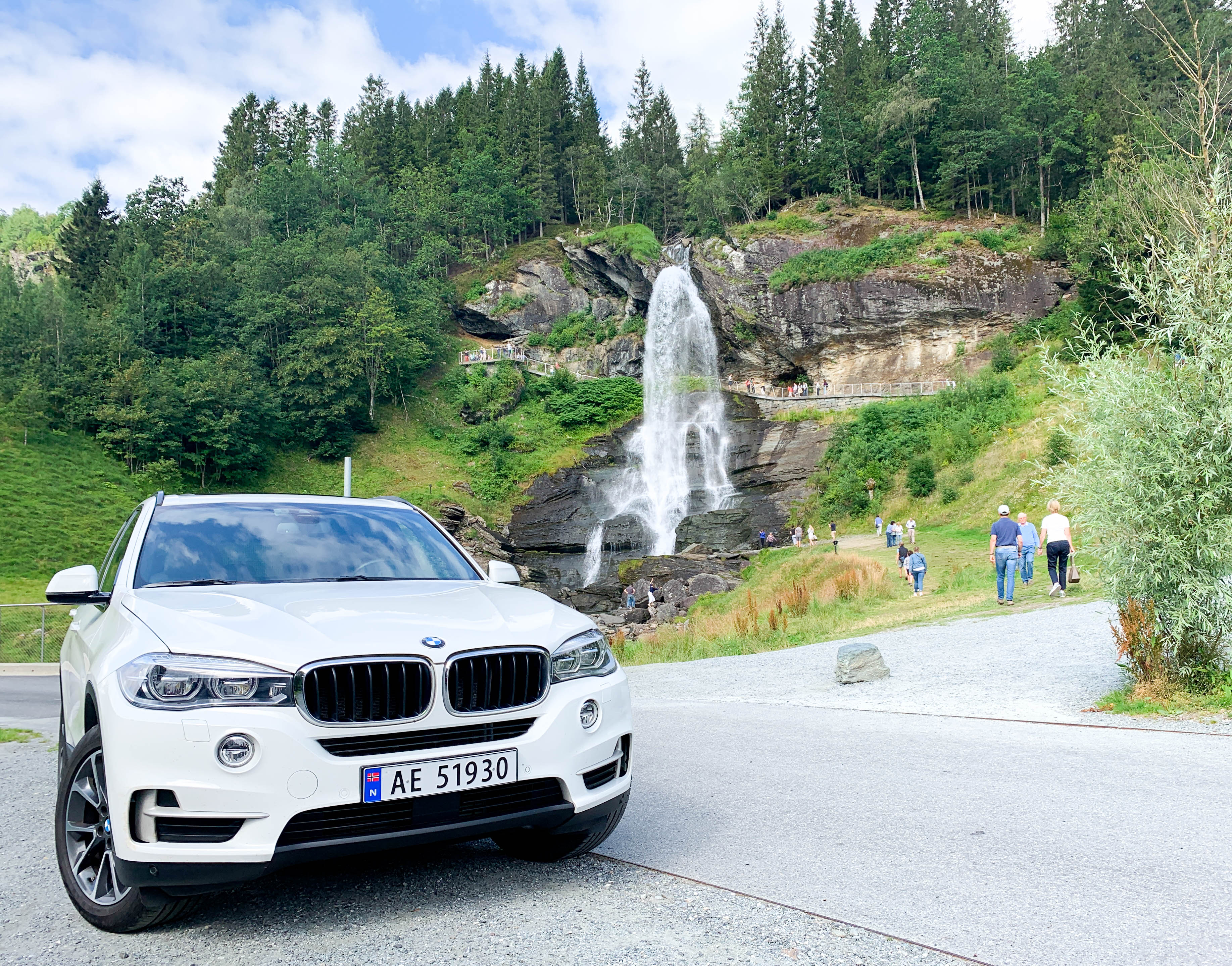 VIP transport to Steinsdalsfossen