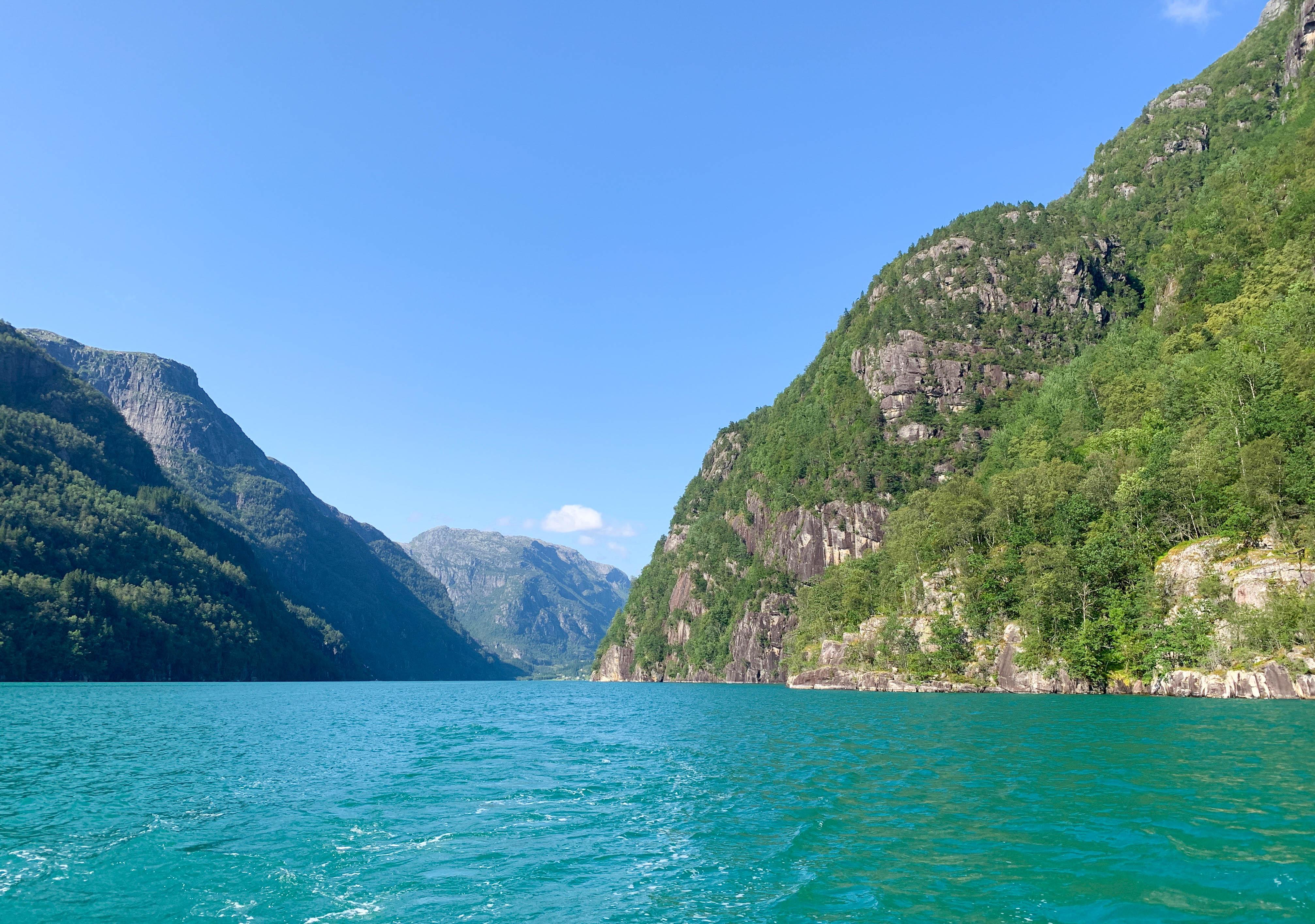 Fyksesund fjord in hardanger