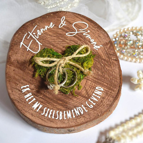 Wood Ring Holder With Moss Heart (Ready To Order)