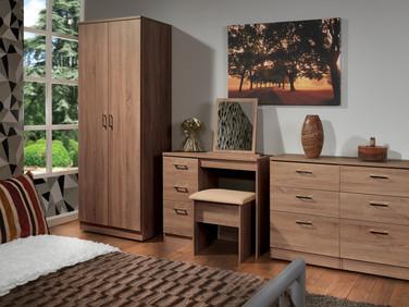 Devon Stirling Oak Room Set.jpg
