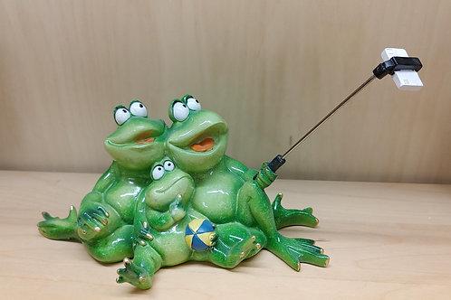 Family Selfie Frogs