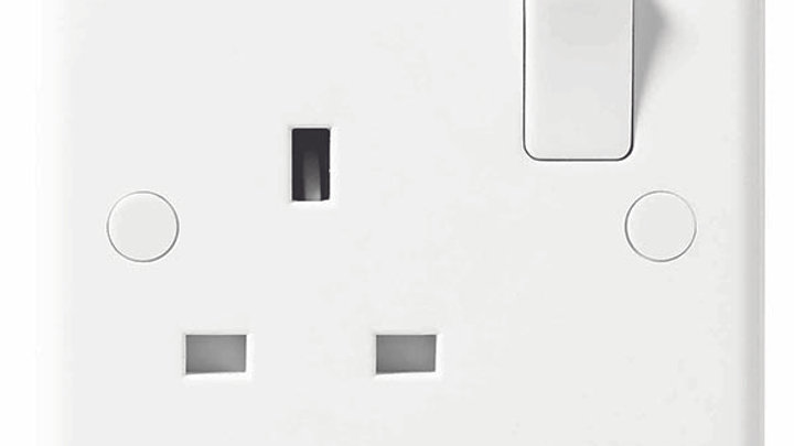 1 Gang Switched Socket - White